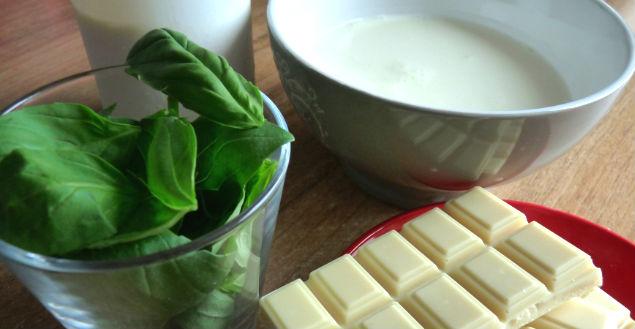 Mousse au chocolat blanc et basilic - Feuille de choux