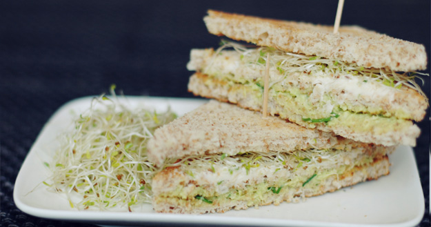 Club sandwichs aux légumes - Feuille de choux
