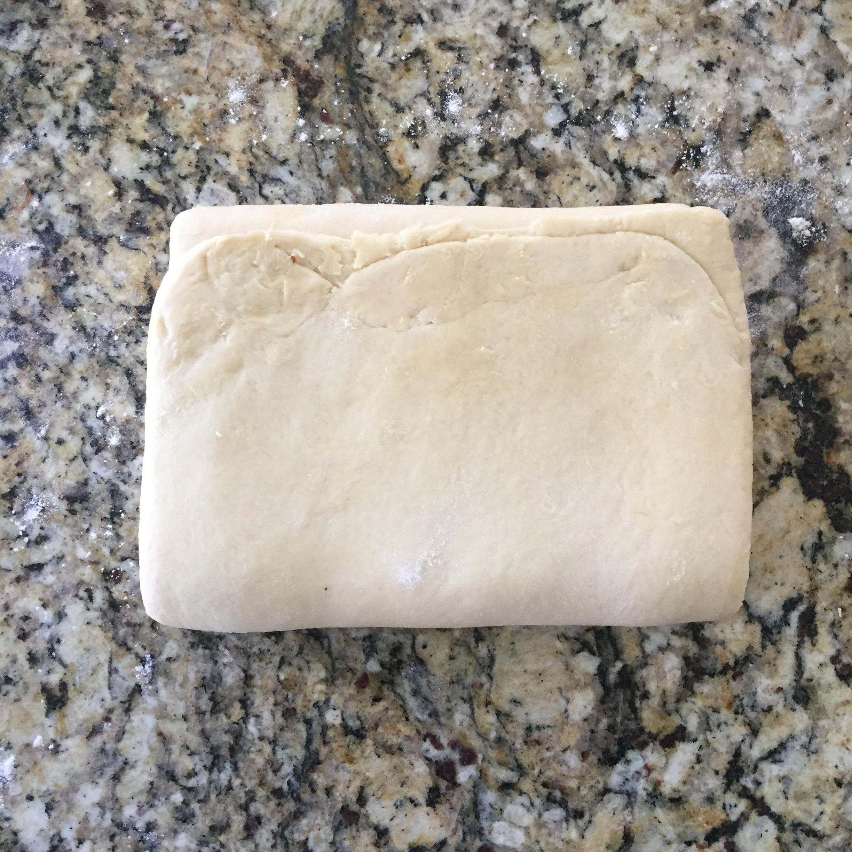 recette de croissant et pain au chocolat feuilletage tour simple fin - feuille de choux.jpg