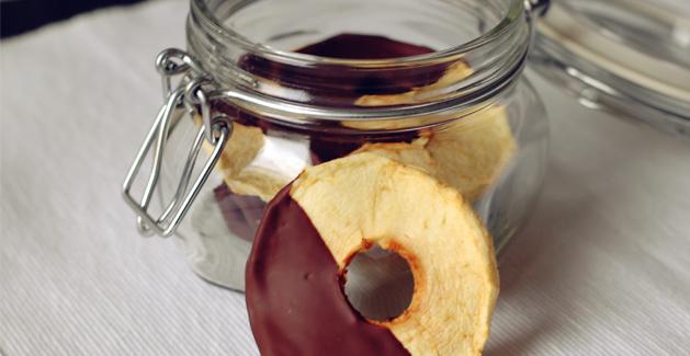 Recette au déshydrateur : Pommes séchées au chocolat - Feuille de choux