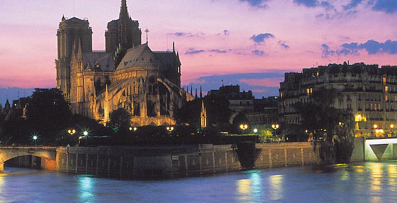 Un moment d'émerveillement au Restaurant péniche Marina de Paris 1