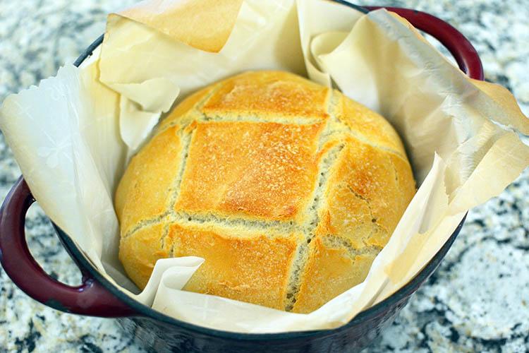 pain cocotte rapide avec petrissage apres cuisson