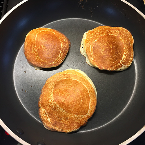 Cuisson des pancakes proteinés : prêts à déguster!